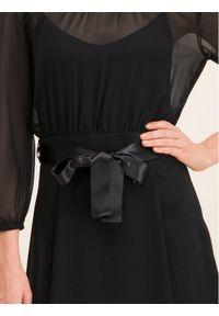 iBlues Sukienka koktajlowa 72261796 Czarny Regular Fit. Kolor: czarny. Styl: wizytowy #4