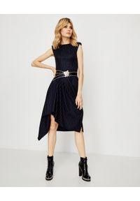 Alexander McQueen - ALEXANDER MCQUEEN - Asymetryczna sukienka midi. Kolor: niebieski. Materiał: jedwab, materiał, wełna. Wzór: paski. Typ sukienki: asymetryczne. Styl: rockowy. Długość: midi