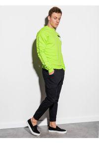 Ombre Clothing - Bluza męska bez kaptura z nadrukiem B1046 - zielona - XXL. Typ kołnierza: bez kaptura. Kolor: zielony. Materiał: bawełna. Wzór: nadruk. Styl: klasyczny