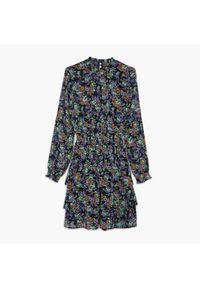 Cropp - Sukienka mini w kwiaty - Fioletowy. Kolor: fioletowy. Wzór: kwiaty. Długość: mini
