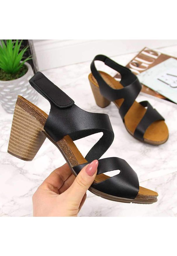 Czarne sandały El Pimpi eleganckie