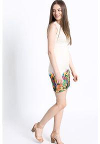 Kremowa sukienka Desigual mini, na co dzień