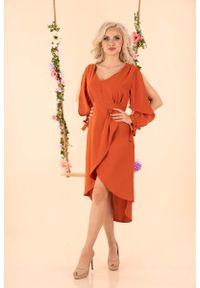 Merribel - Czerwona Asymetryczna Sukienka z Rozciętymi Rękawami. Kolor: czerwony. Materiał: poliester. Typ sukienki: asymetryczne