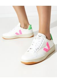 Veja - VEJA - Sneakersy V-12 B-Mesh. Kolor: biały. Materiał: mesh. Szerokość cholewki: normalna. Wzór: aplikacja