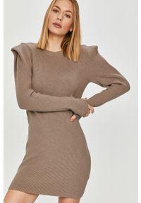 Beżowa sukienka Answear Lab mini, z długim rękawem, prosta