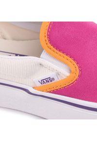 Vans - Tenisówki VANS - Classic Slip-On P VN0A3JEZWVY1 (Mini Cord) Multi/Tr Wht. Zapięcie: bez zapięcia. Kolor: różowy. Materiał: zamsz, materiał, skóra. Szerokość cholewki: normalna. Model: Vans Classic
