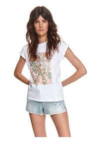 TOP SECRET - T-shirt damski z błyszczącym nadrukiem. Kolor: biały. Materiał: tkanina, bawełna. Długość rękawa: krótki rękaw. Długość: krótkie. Wzór: nadruk. Sezon: lato. Styl: wakacyjny