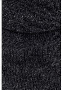 United Colors of Benetton - Sweter wełniany. Okazja: na co dzień. Typ kołnierza: golf. Kolor: czarny. Materiał: wełna. Długość rękawa: długi rękaw. Długość: długie. Styl: casual