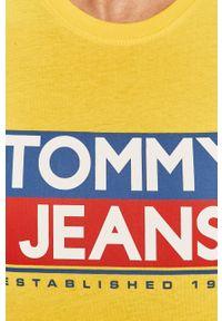 Żółty t-shirt Tommy Jeans casualowy, na co dzień