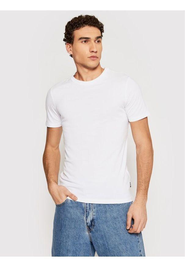 Only & Sons - ONLY & SONS T-Shirt Basic 22020798 Biały Slim Fit. Kolor: biały