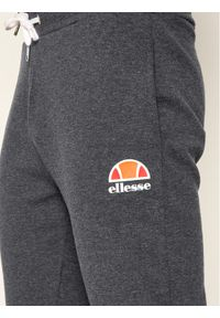 Szare spodnie dresowe Ellesse na jogę i pilates