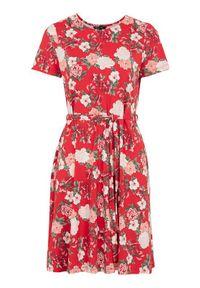 Czerwona sukienka Happy Holly w kwiaty