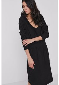 GAP - Sukienka. Kolor: czarny. Materiał: dzianina. Długość rękawa: długi rękaw. Wzór: gładki. Typ sukienki: rozkloszowane