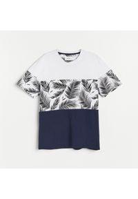 Reserved - T-shirt z nadrukiem - Granatowy. Kolor: niebieski. Wzór: nadruk