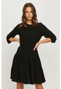 Vero Moda - Sukienka. Kolor: czarny. Materiał: dzianina. Długość rękawa: długi rękaw. Typ sukienki: rozkloszowane