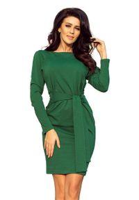 Numoco - Dopasowana Sukienka z Wiązanym Paskiem - Zielona. Kolor: zielony. Materiał: poliester, elastan