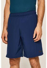 Niebieskie szorty Nike na co dzień, casualowe