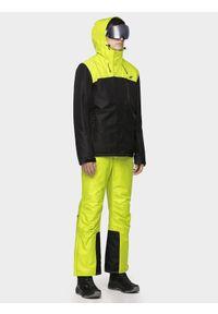 Zielona kurtka 4f z kapturem, na zimę