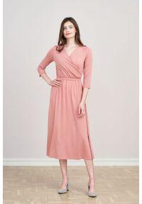Marie Zélie - Sukienka Rita pąsowy róż mikromodal. Typ kołnierza: dekolt kopertowy. Kolor: czerwony, różowy, wielokolorowy. Materiał: wiskoza, dzianina, elastan, włókno, skóra. Długość rękawa: krótki rękaw. Typ sukienki: proste, kopertowe