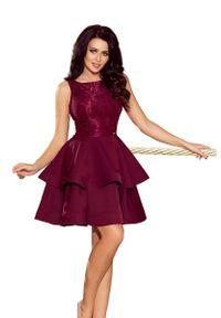Numoco - Bordowa Wyjściowa Podwójnie Rozkloszowana Sukienka z Koronką. Kolor: czerwony. Materiał: koronka. Wzór: koronka. Styl: wizytowy