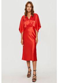 Czerwona sukienka Hugo rozkloszowana, midi