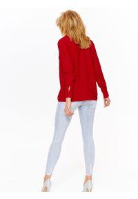 TOP SECRET - Koszula damska z tkaniny plumeti. Kolor: czerwony. Materiał: tkanina. Długość rękawa: krótki rękaw. Długość: długie. Sezon: wiosna, lato. Styl: elegancki