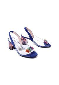 Niebieskie sandały Brenda Zaro na obcasie, na średnim obcasie