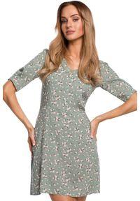 MOE - Krótka sukienka we wzór w kwiaty na lato. Materiał: tkanina. Wzór: kwiaty. Sezon: lato. Długość: mini