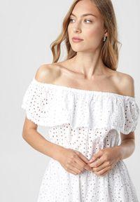 Biała sukienka mini Born2be