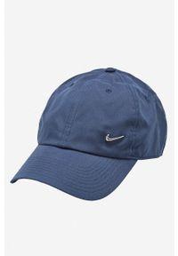 Niebieska czapka z daszkiem Nike Sportswear z aplikacjami