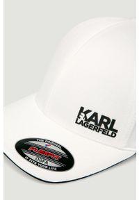 Biała czapka z daszkiem Karl Lagerfeld klasyczna, z aplikacjami