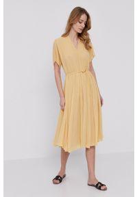 Samsoe & Samsoe - Samsoe Samsoe - Sukienka. Kolor: żółty. Materiał: poliester. Długość rękawa: krótki rękaw. Typ sukienki: plisowane #5