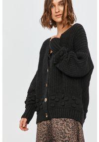 Szary sweter rozpinany Answear Lab wakacyjny
