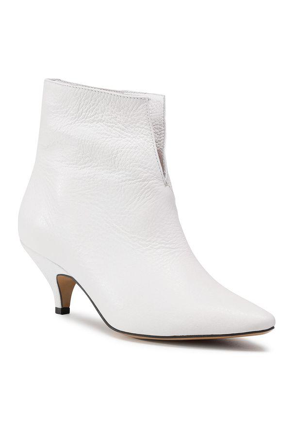 Białe botki L37