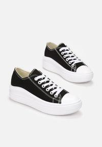Born2be - Czarne Trampki Qinlyss. Wysokość cholewki: przed kostkę. Nosek buta: okrągły. Kolor: czarny. Materiał: materiał, guma. Szerokość cholewki: normalna. Styl: elegancki