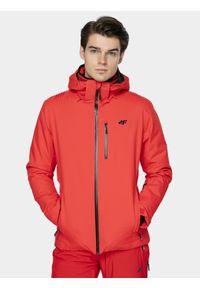 4f - Kurtka narciarska męska. Typ kołnierza: kaptur. Kolor: czerwony. Materiał: mesh, materiał, poliester. Technologia: Dermizax. Sezon: zima. Sport: narciarstwo