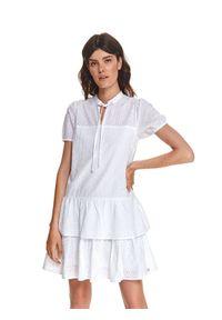 Biała sukienka TOP SECRET ze stójką, na lato, w ażurowe wzory, z krótkim rękawem