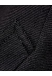 COMME des GARCONS - COMME DES GARCONS - Czarny płaszcz z ekologicznym podszyciem. Kolor: czarny. Materiał: futro. Długość: długie. Styl: elegancki, klasyczny