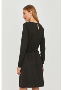 Czarna sukienka Vila na co dzień, casualowa, prosta
