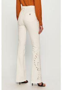 Białe jeansy bootcut Guess z podwyższonym stanem, gładkie