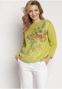 MKM - Lekki Sweter z Kwiatowym Nadrukiem - Zielony. Kolor: zielony. Materiał: akryl. Wzór: nadruk, kwiaty