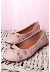 Casu - różowe baleriny ażurowe z kokardką casu 3185. Kolor: różowy. Wzór: ażurowy