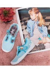 Tenisówki dziecięce Befado 115X004 Niebieskie. Zapięcie: klamry. Kolor: niebieski. Materiał: tworzywo sztuczne, tkanina, materiał