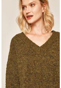 Oliwkowy sweter medicine melanż