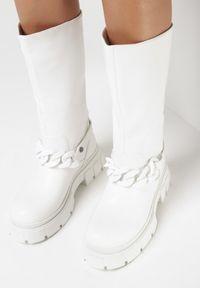 Born2be - Białe Kozaki Dialody. Zapięcie: bez zapięcia. Kolor: biały. Materiał: jeans, skóra. Wzór: kwiaty