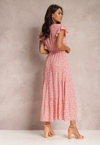 Renee - Łososiowa Sukienka Tinuin. Typ kołnierza: dekolt w serek. Kolor: różowy. Materiał: zamsz. Długość rękawa: bez rękawów. Wzór: gładki, aplikacja. Długość: maxi