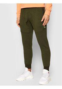Zielone spodnie dresowe Jack & Jones