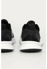 Czarne buty sportowe adidas Performance z okrągłym noskiem, z cholewką