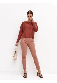 TOP SECRET - Sweter z okrągłym dekoltem i suwakami. Okazja: na co dzień. Kolor: różowy. Materiał: dzianina. Długość rękawa: długi rękaw. Długość: krótkie. Sezon: wiosna. Styl: wakacyjny, casual