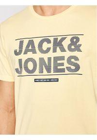 Jack & Jones - Jack&Jones T-Shirt Mount 12182600 Żółty Regular Fit. Kolor: żółty